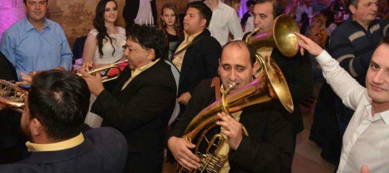 Trubači Balkanika na svadbi